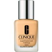 Clinique - Base - Superbalanced Makeup