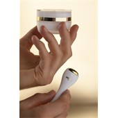 Sisley - Eye and lip care - Sisleya Eye And Lip Contour Cream + Massage Tool