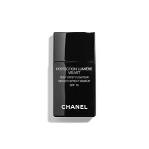 CHANEL - TEINT-GRUNDIERUNGEN - Makeup mit Weichzeichnereffekt SPF 15 PERFECTION LUMIÈRE VELVET