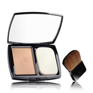 CHANEL - TEINT-GRUNDIERUNGEN - Pflegendes Kompakt-Makeup zur Leuchtkraftsteigerung SPF 10 VITALUMIÈRE ÉCLAT