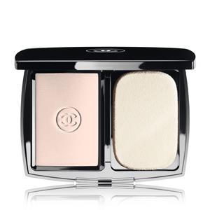 CHANEL - TEINT-GRUNDIERUNGEN - Pudriges Kompakt-Makeup - Matt und Strahlend - SPF 10 MAT LUMIÈRE COMPACT