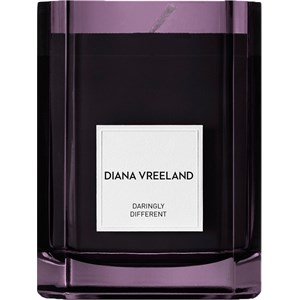 Diana Vreeland - Alluring Wood and Ouds - Daringly Different Candle