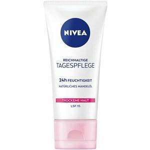 Nivea - Day Care - Sensitive Day Cream SPF 15
