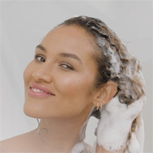 Schwarzkopf Professional - Hyaluronic Moisture Kick - Micellar Shampoo